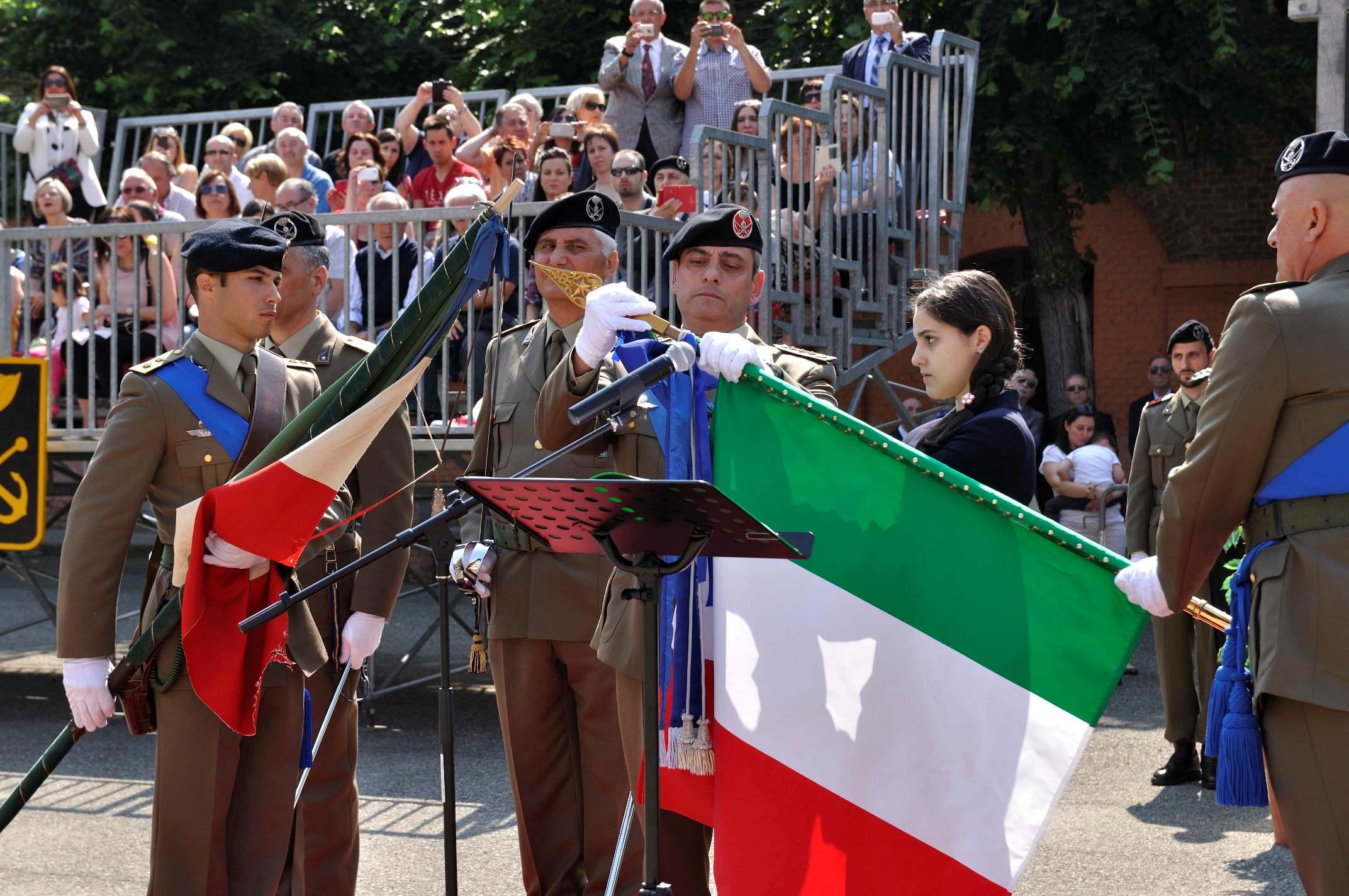 Nuovo drappo per il 2 genio pontieri esercito italiano for Bandiera di guerra italiana