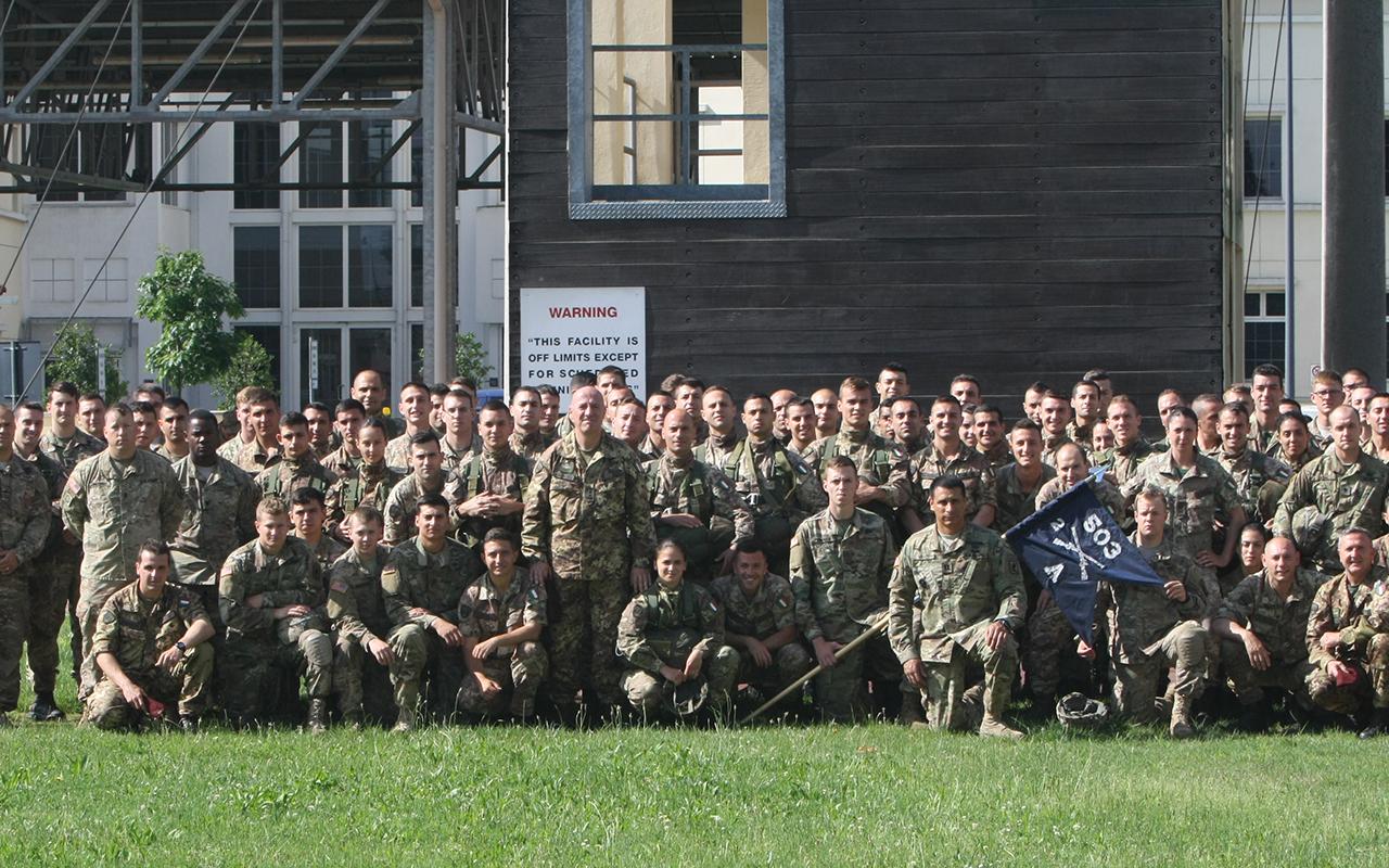 L'aliquota di Allievi Marescialli con il personale dell'US Army