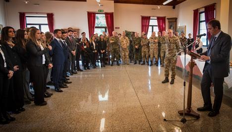 Esercito italiano notizie concorsi operazioni storia for Concorsi parlamento italiano 2017
