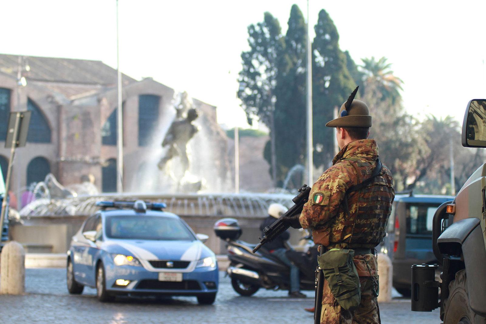 Militari in servizio di Vigilanza a Roma