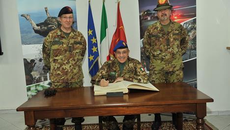 Esercito italiano notizie concorsi operazioni storia notizie avvicendamento al comfoter coe fandeluxe Gallery