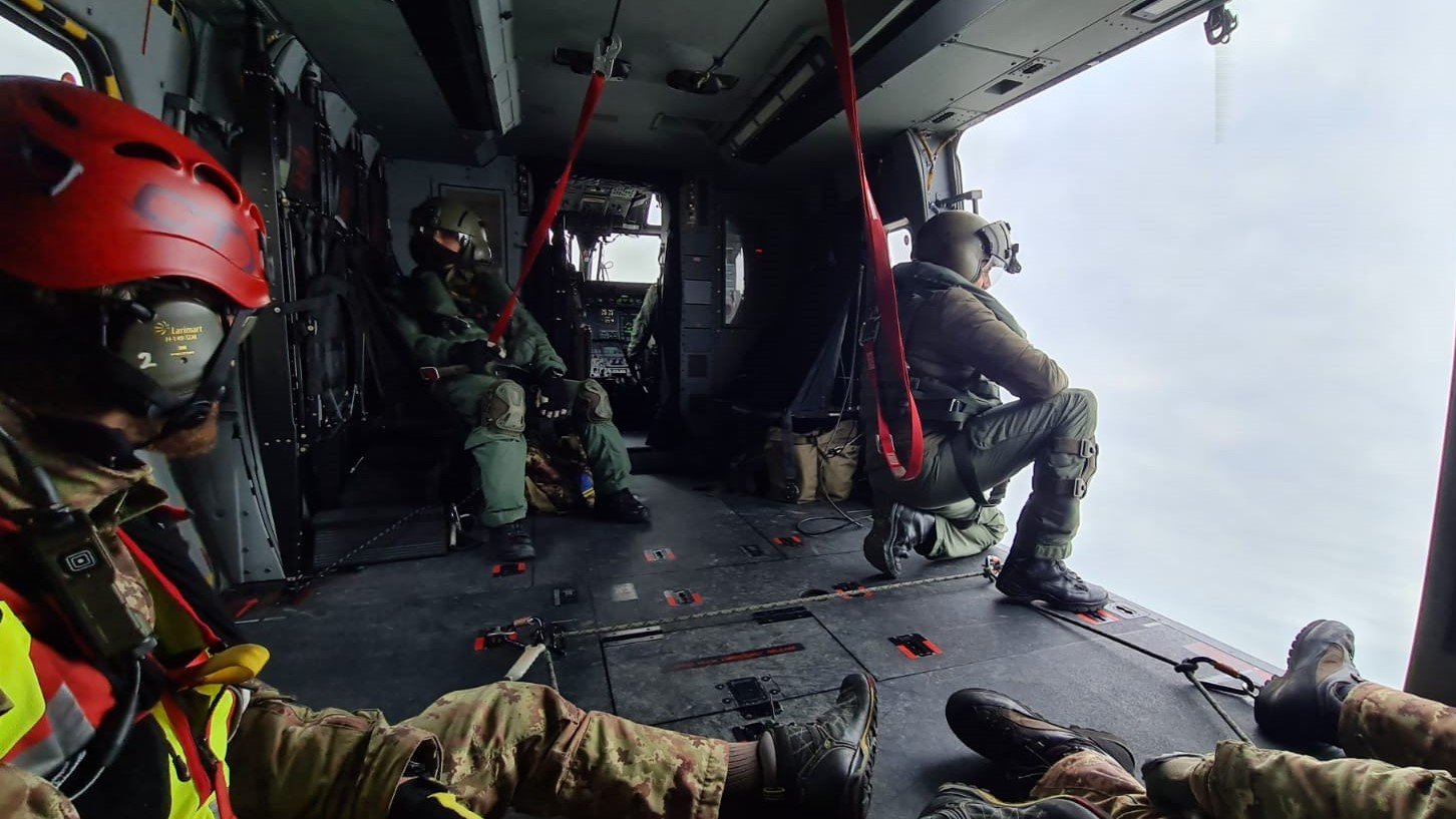 Personale elitrasportato su velivolo NH90